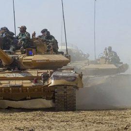 Индия перебрасывает войска в Кашмир