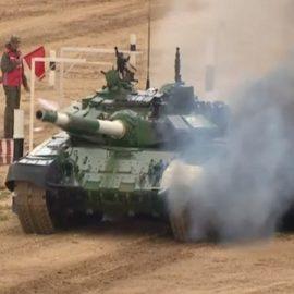 Танк Т-72Б3 иранской команды «загорелся» на танковом биатлоне