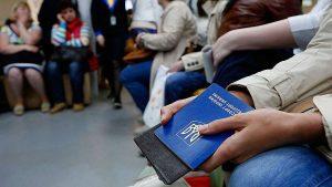 Украинским трудовым мигрантам в Чехии усложнили порядок работы