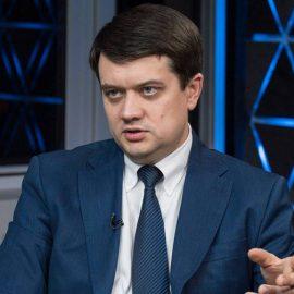«Слуга народа» пойдет по пути Минских договоренностей