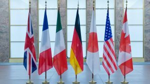 Сегодня вечером во французском городе Биарриц стартует очередной саммит так называемой «Группы семи» (G7). Участники намерены обсудить региональные и глобальные кризисы, в том числе ситуацию вокруг СВПД по ядерной программе Ирана, урегулирование военных конфликтов в Сирии и Ливии, а также торговые разногласия с США