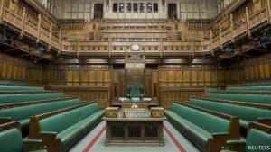 Джонсон приостановил работу парламента, чтобы он не помешал брекситу