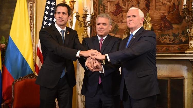венесуэльский оппозиционер Гуайдо, президент Колумбии Дуке и вице-президент США Пенс