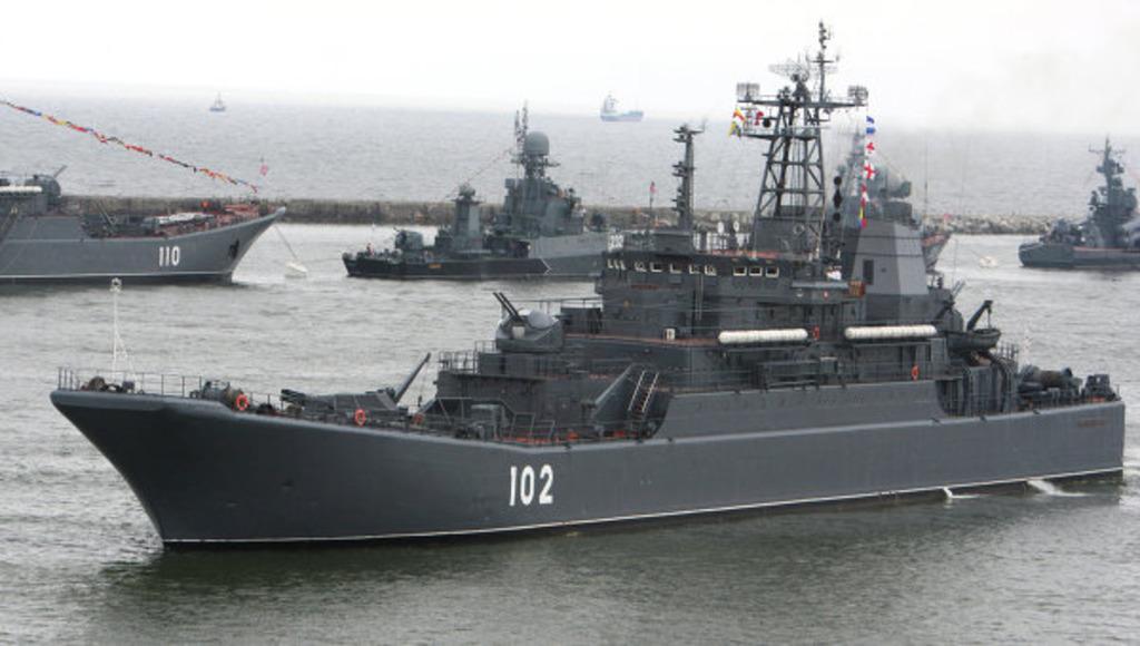 корабли Балтийского флота зашли в Калининград