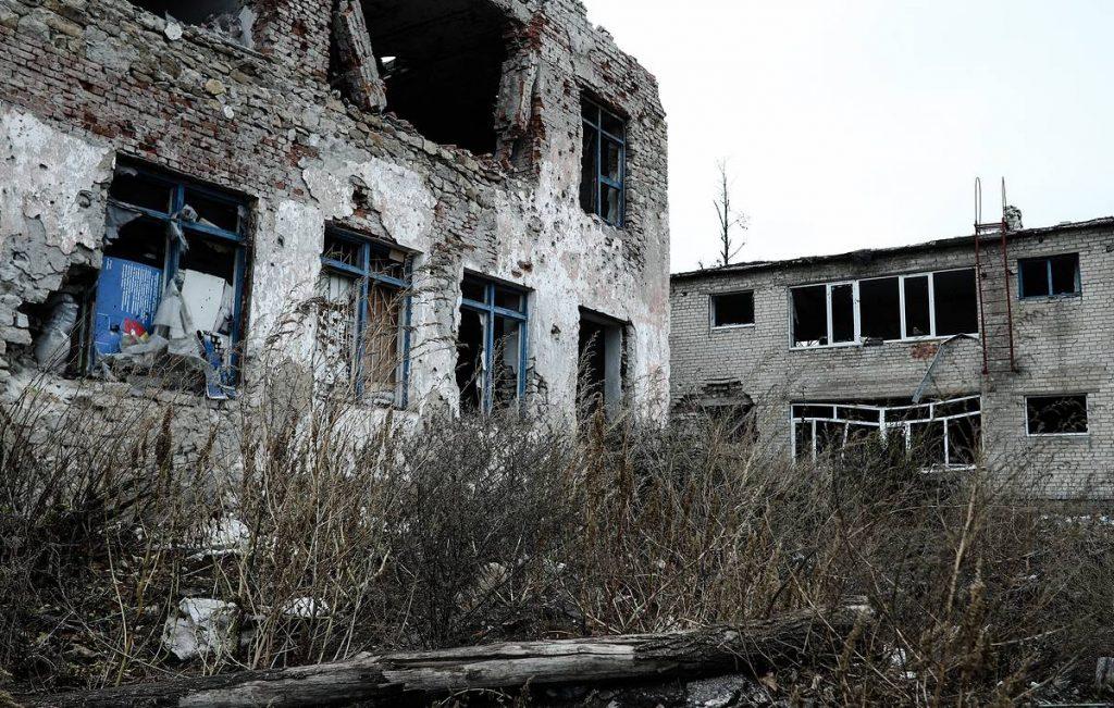 "Широко разинув рот: Руина потребует от России ""репарации"" за Донбасс"