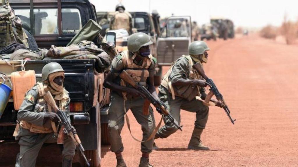 солдаты Мали