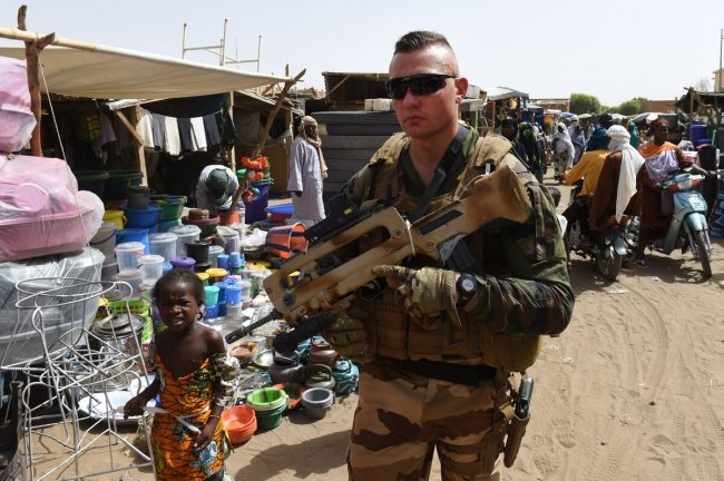 французский солдат на севере Мали