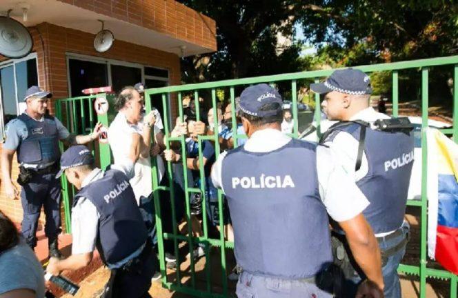 захват посольства Венесуэлы в Бразилии сторонниками Гуайдо