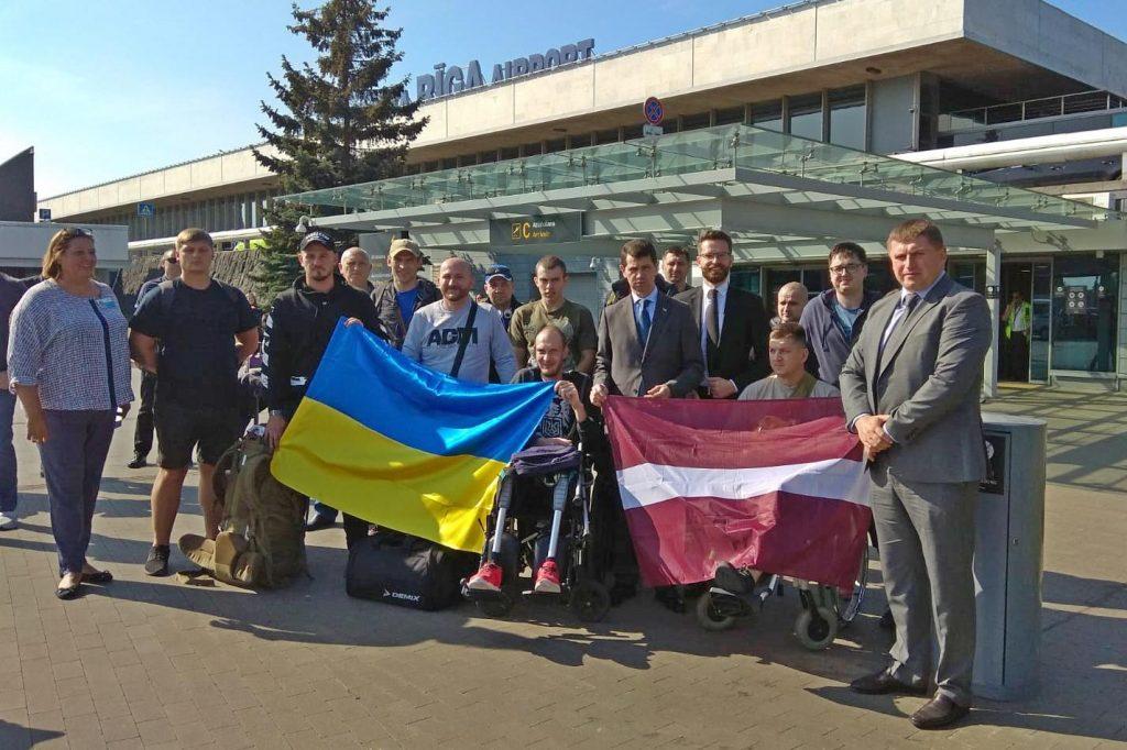 Соучастие: Латвия берёт на излечение украинских карателей Донбасса