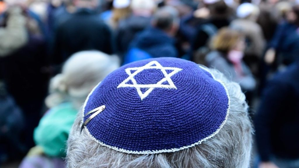 евреи требуют компенсации