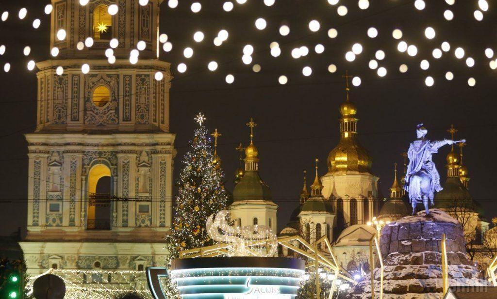 Дома будут проводить украинцы Новый год, не отправляясь за границу или в гости - итоги опроса