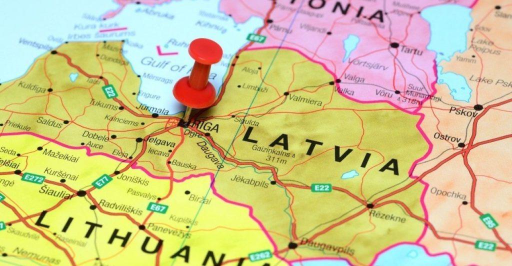 Россия соревнуется с НАТО в Прибалтике - Доклад МИД Латвии