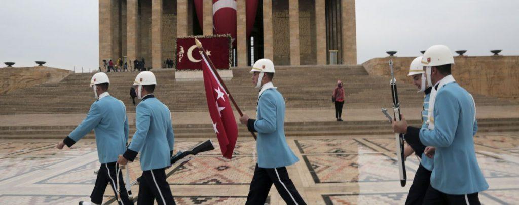 Против Хафтара? Глава Турции послал войска в Ливию