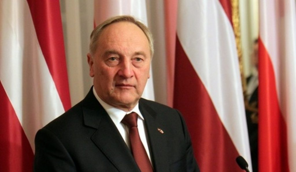 О вреде языковой дискриминации напомнил экс-президент Латвии