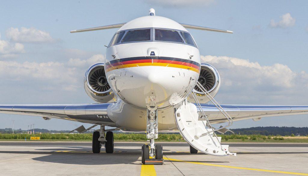 Армия ФРГ купит пилотируемые самолеты Global 6000
