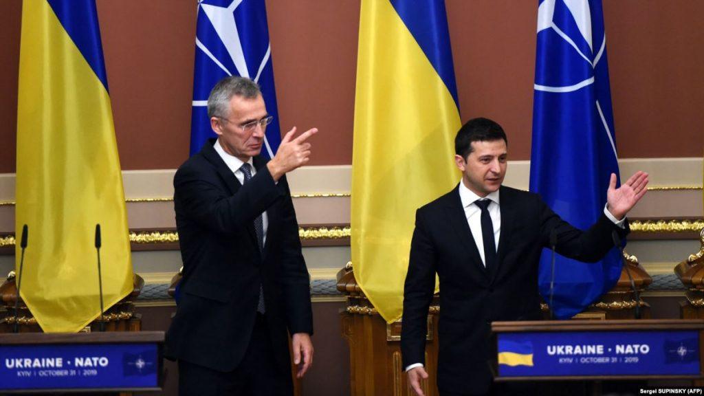 НАТО будет учить украинских чиновников пропагандировать Альянс
