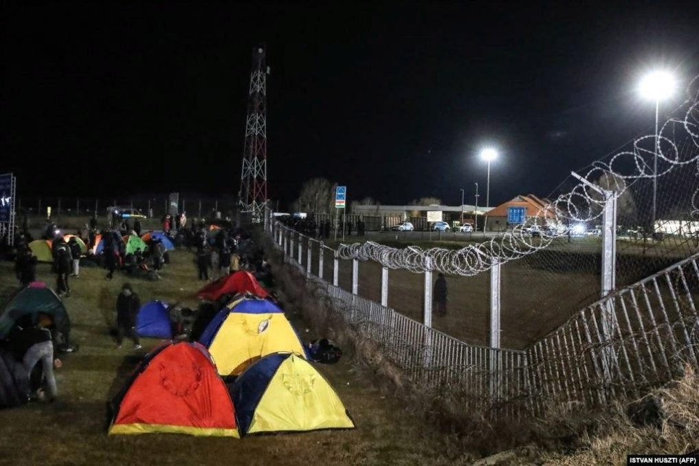 Бесконтрольный транзит мигрантов топит Сербию