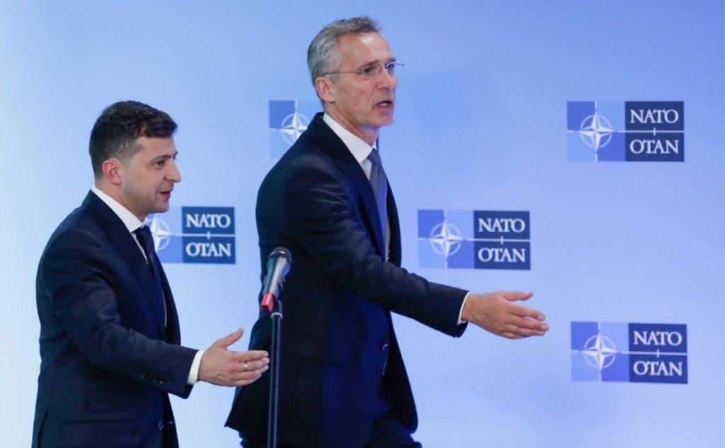 """""""Мирные инициативы"""" Зеленского для Донбасса нравятся только НАТО"""