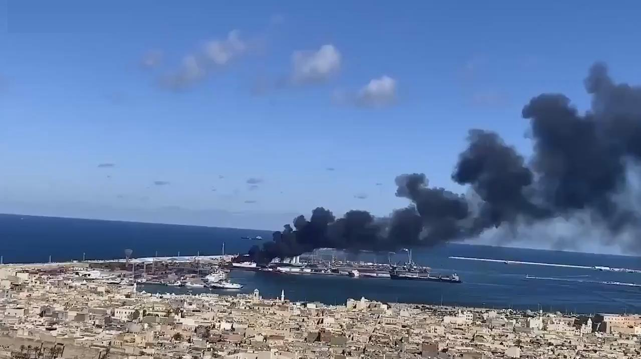 порт Триполи атакован ЛНА