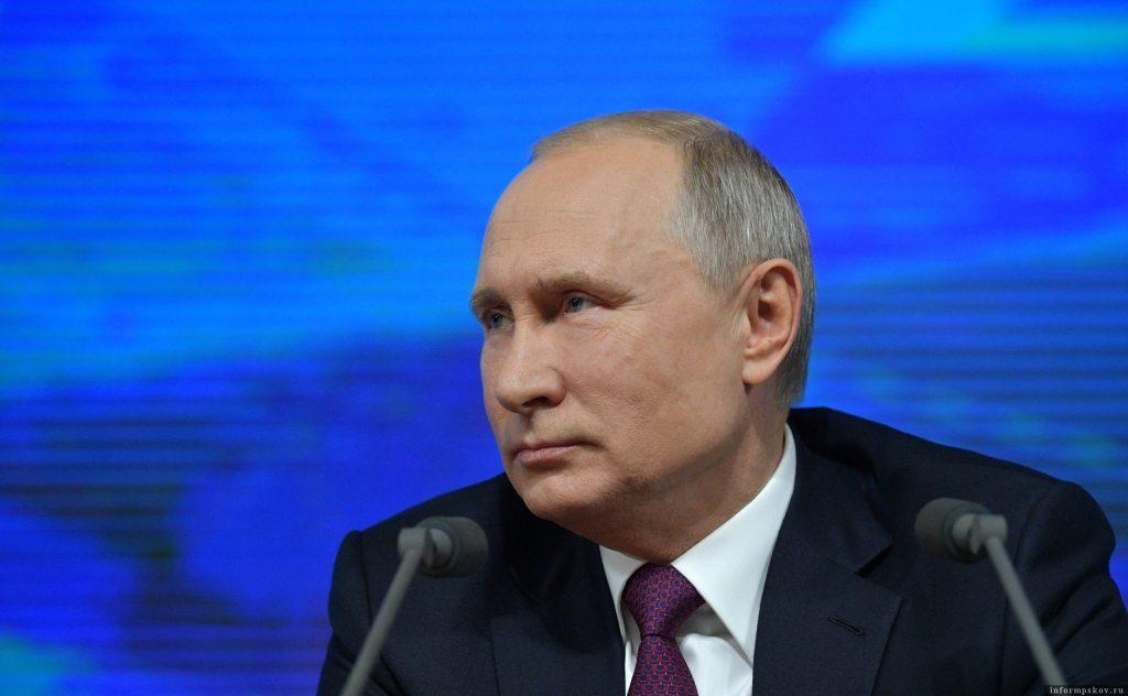 """Запад намеренно """"растаскивает"""" Москву и Киев порознь - Путин"""