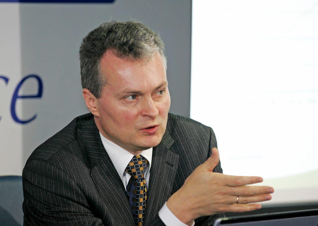 Поток эмигрантов требует увеличения компенсаций от НС - Глава Литвы