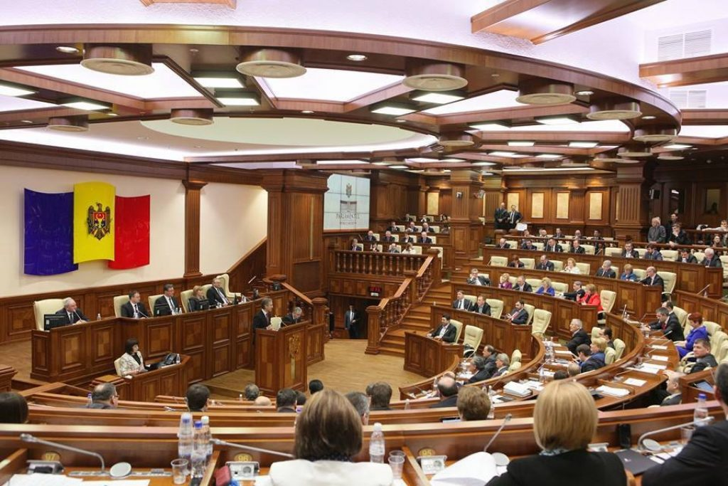 Правая оппозиция Молдавии закидывает в парламент антироссийскую карту