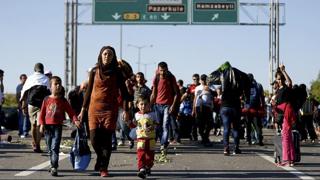 беженцы движутся в Европу через Турцию