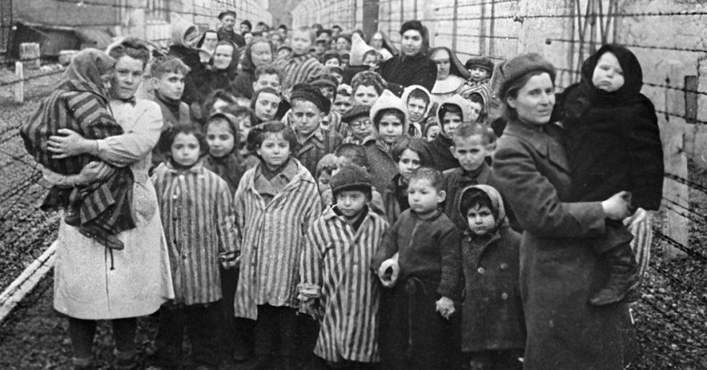Монумент жертвам холокоста пытались сжечь в Литве