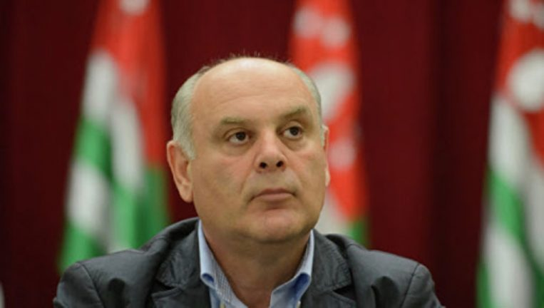 абхазский политик и оппозиционер Аслан Бжания