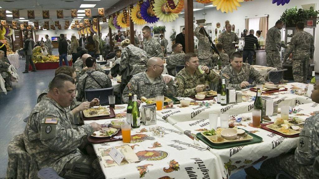 """военнослужащие США на базе """"Бондстил"""" в Косово"""