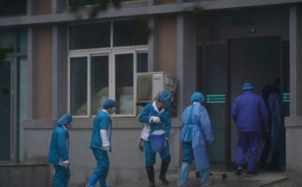 Китай не исключает завоз коронавируса в Ухань военными ВС США