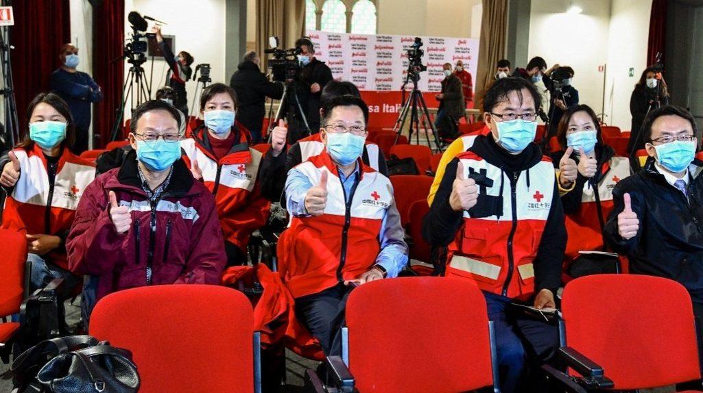 Китайские врачи прибыли в Италию