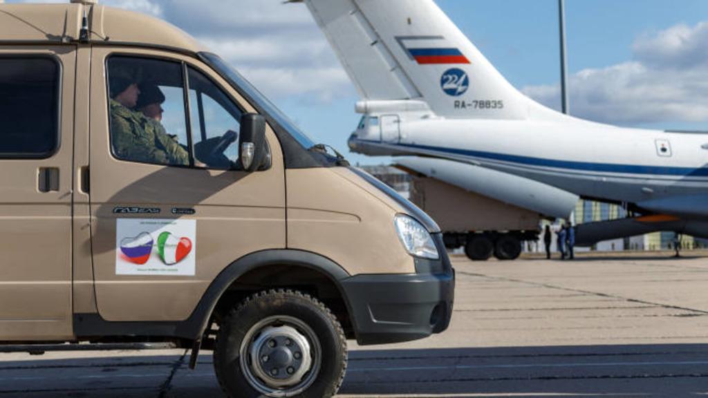 Россия направила Итали помощь в борьбе с коронавирусом