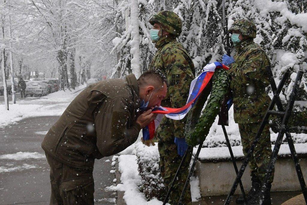 Сербы отдали дань памяти жертвам бомбардировок НАТО