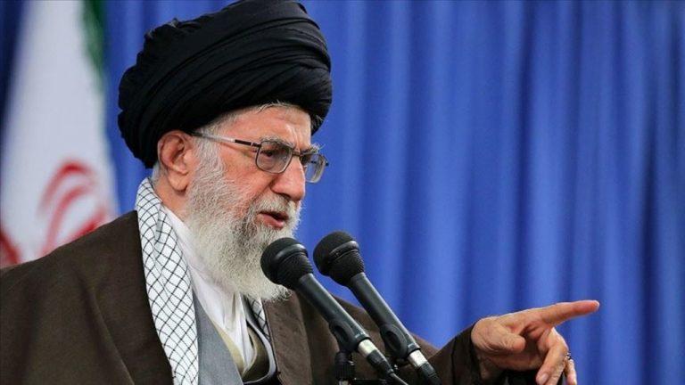 иранский аятолла Али Хаменеи