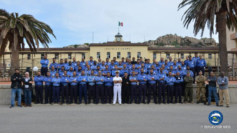 учебный корпус миссии со обеспечению оружейного эмбарго Eunavfor MED Sophia