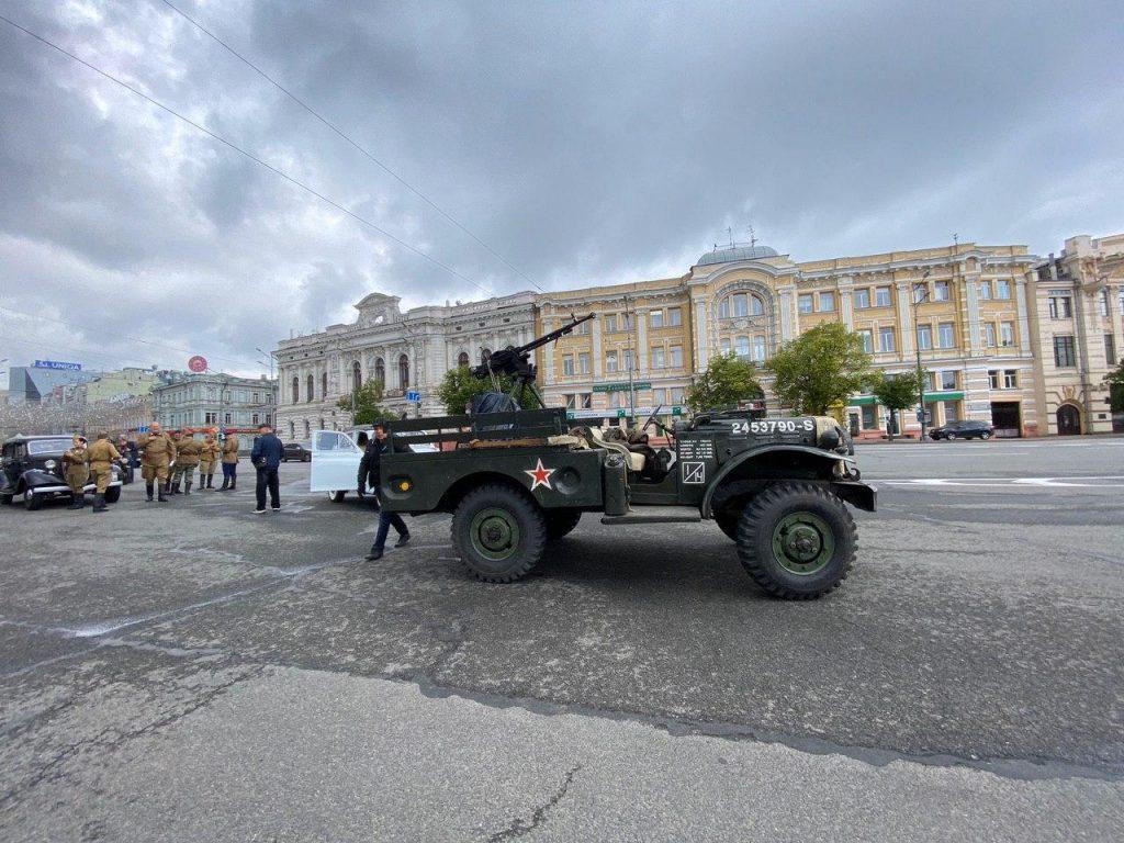 Центр Харькова стал местом автопробега в честь 75-летия Победы