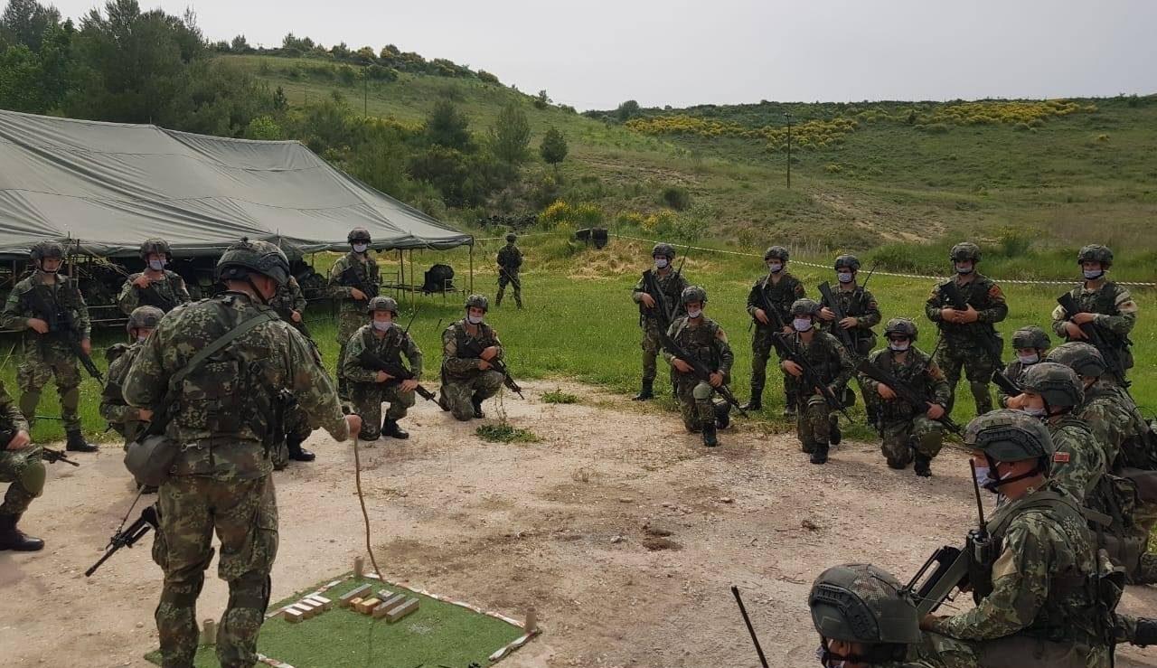 албанские военные войдут в состав KFOR в Косово