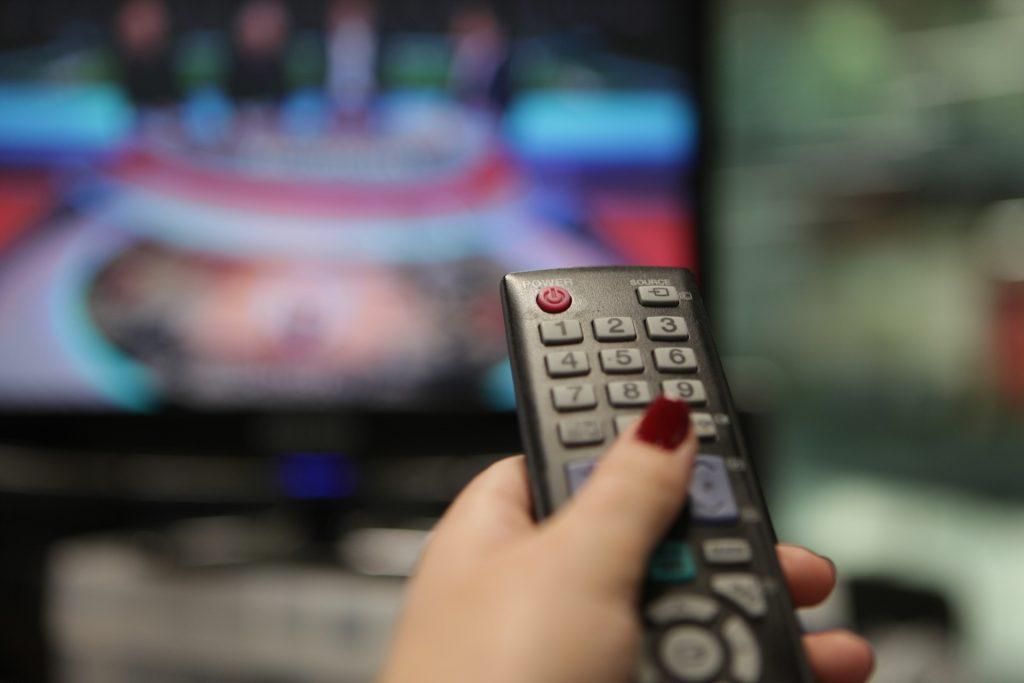 Латвия совсем прекратит телевещание на русском