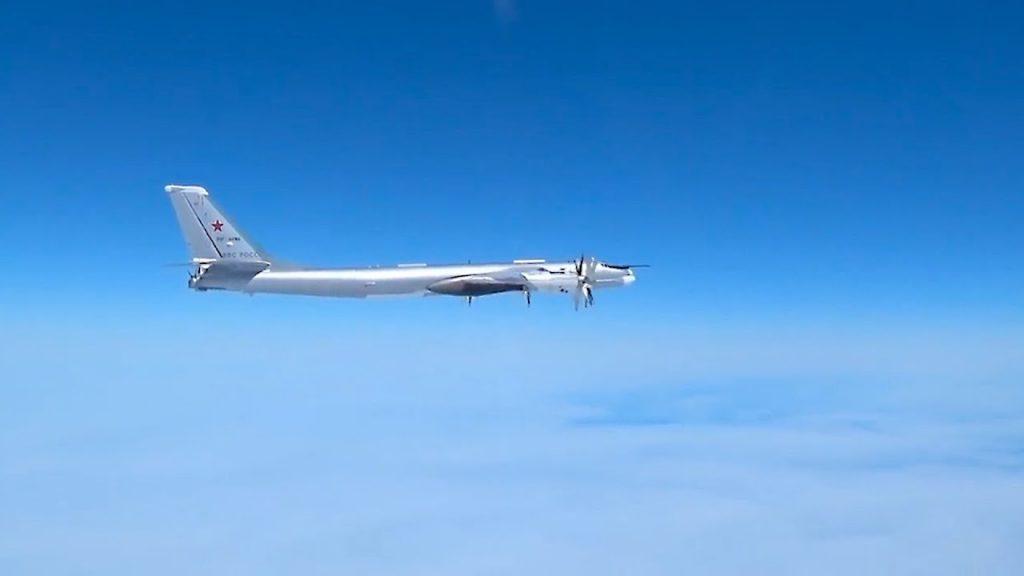 США испугались полёта русских «медведей» Ту-95МС над Тихим океаном