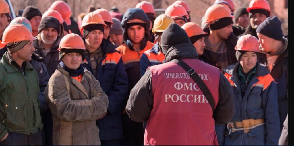 Четверть жителей России готова занять рабочие места гастарбайтеров