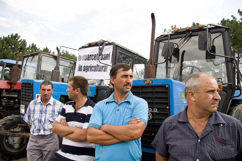 Фермеры Молдавии провели акции протеста из-за отсутствия помощи государства