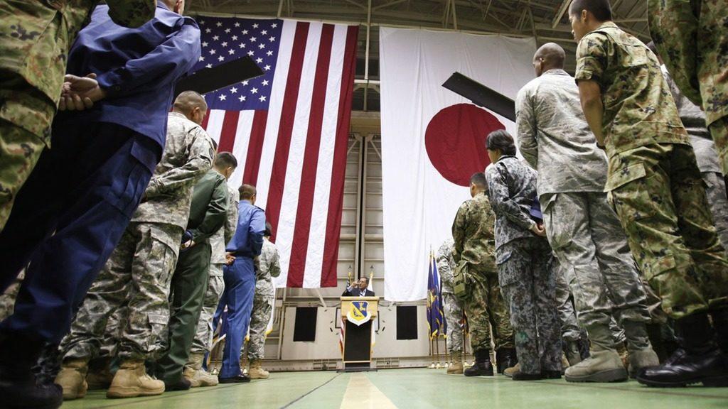 военные США и Японии
