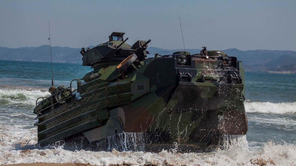 десантная машина-амфибия морской пехоты США (AAV)