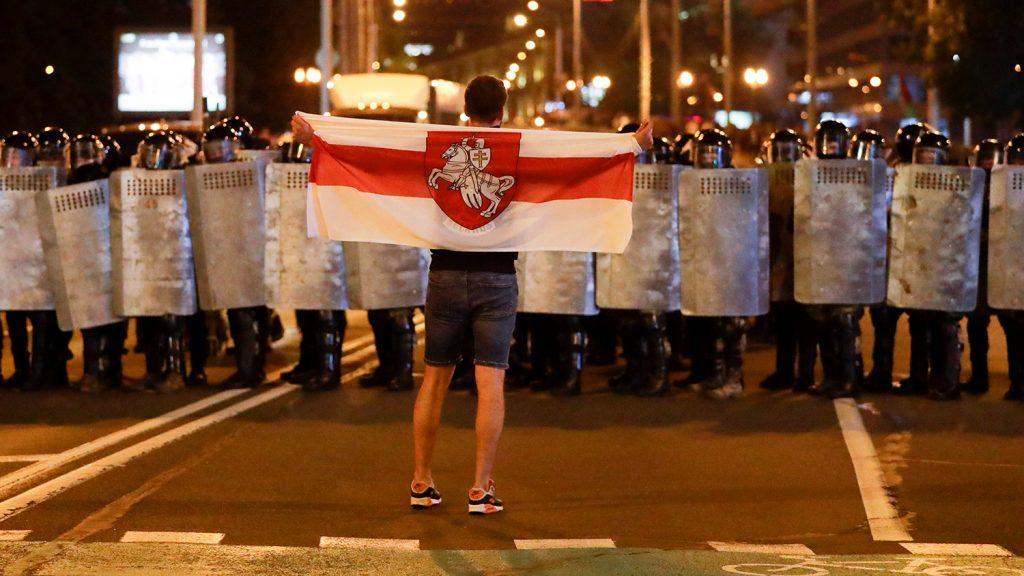 Греческие коммунисты в Европарламенте критикуют вмешательство ЕС, НАТО и США в Белоруссию