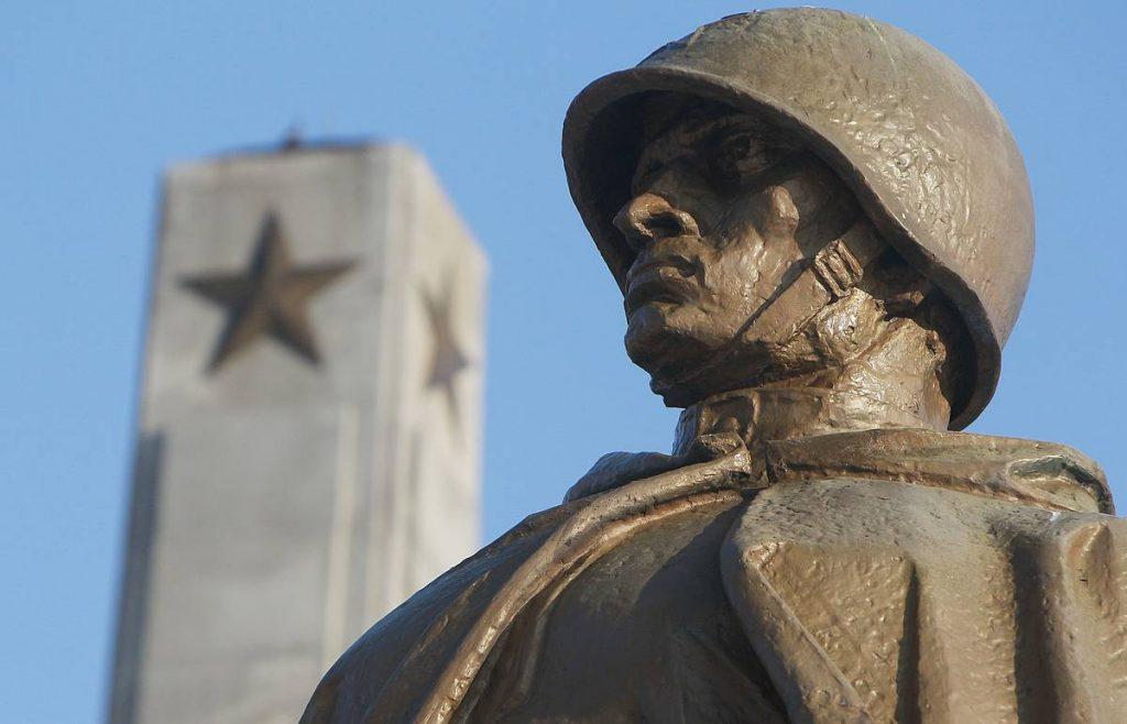 Посольство России: Литовские власти несут ответственность за осквернение советских памятников