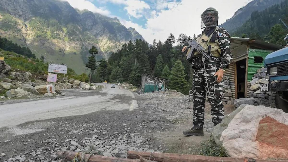 индийский солдат на границе