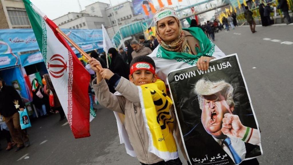 антиамериканская акция в Иранае