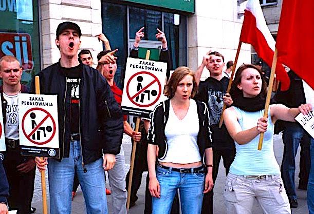 митинг против ЛГБТ в Польше