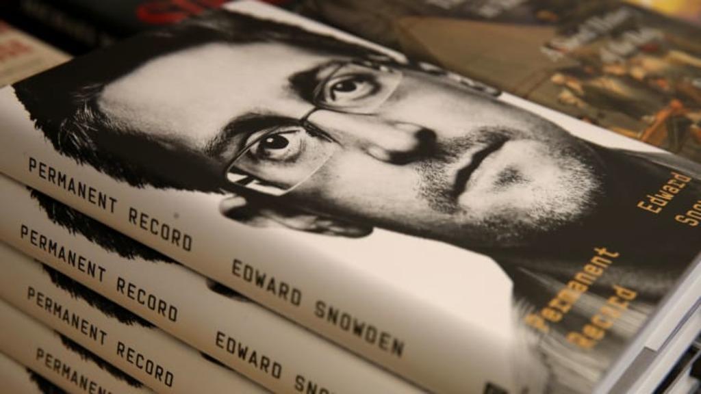 книга Эдварда Сноудена